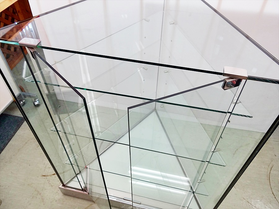 ガラスショーケース
